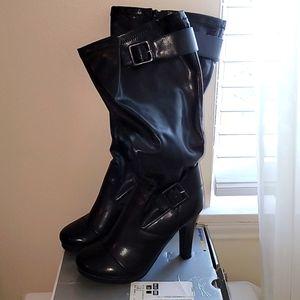 Cloud walkers heeled boots 8W